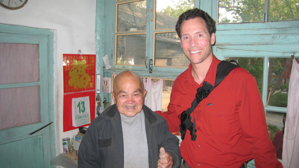 Making friends in the BeijingHutong.