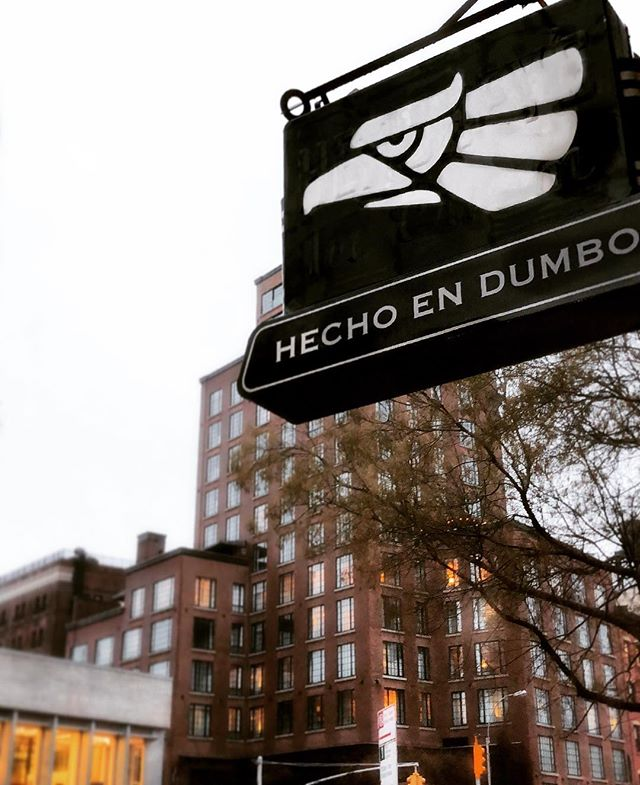 Follow the signs.. 🔜 #hechoenmexico #construidaenbowery