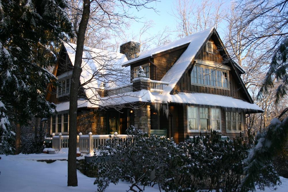 43Films P.O. Box 204 Pocono Manor, Pa. 18349 historylives@aol.com