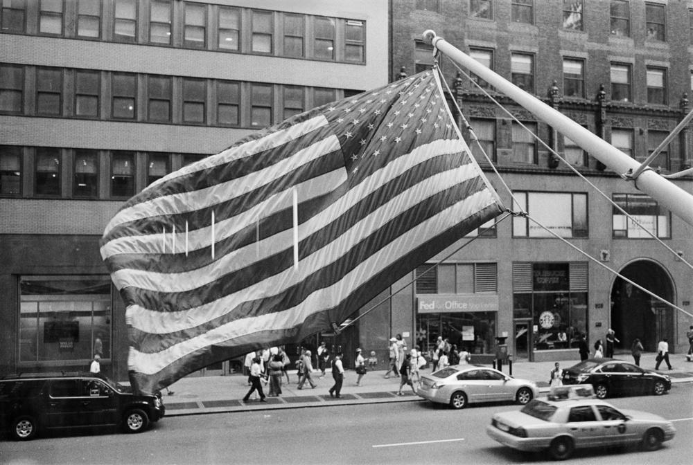 4820-5776835-American_flag_16bit_copy.jpg
