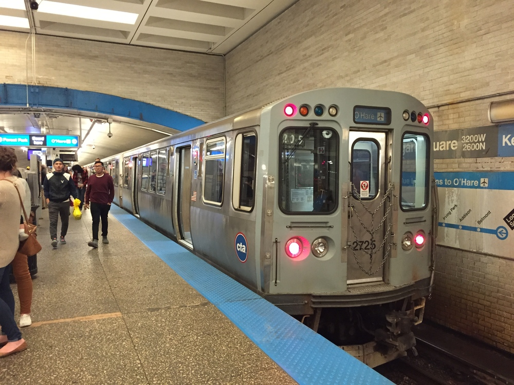 Chicago blue Line Train