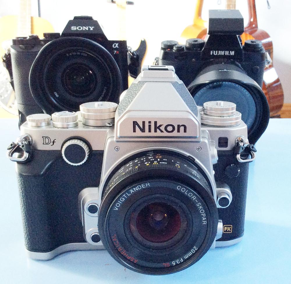 Nikon Df Voigtlander 20mm f/3.5 SL-II Sony A7r 10-18mm Fuji X-T1 10-24mm