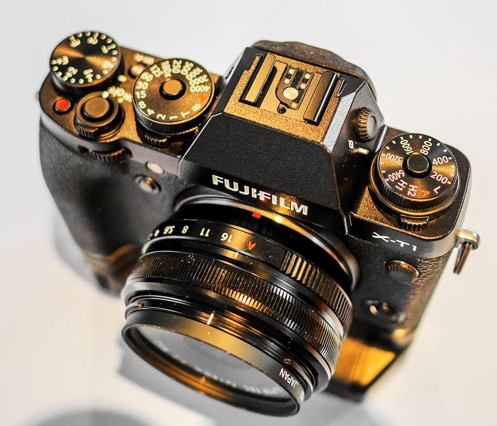 Fuji X-T1 18mm f/2 lens