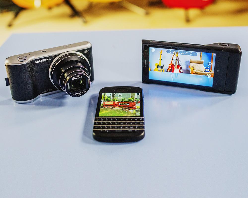 Nokia Lumia 1020 Smartphone, Blackberryt Q10 Smartphone, Samsung Galaxy 2 camera