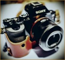 Sony A7r -  Sony  Sonnar T* FE 35mm f/2.8 ZA Lens