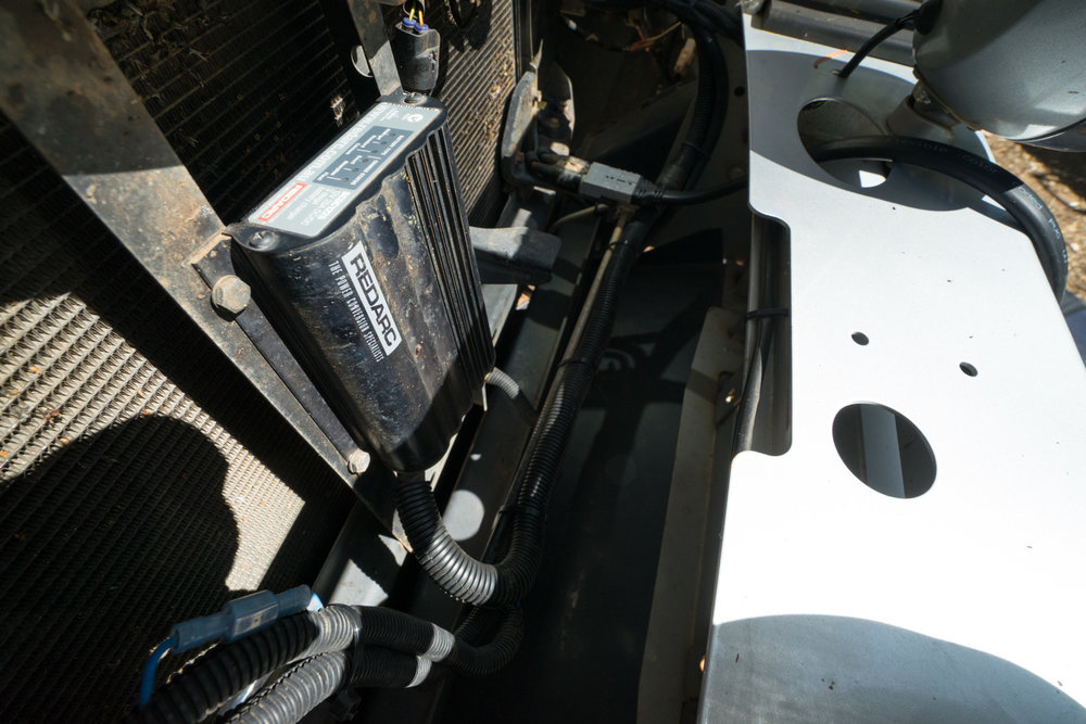 240V REDARC 700W PURE SINE INVERTER