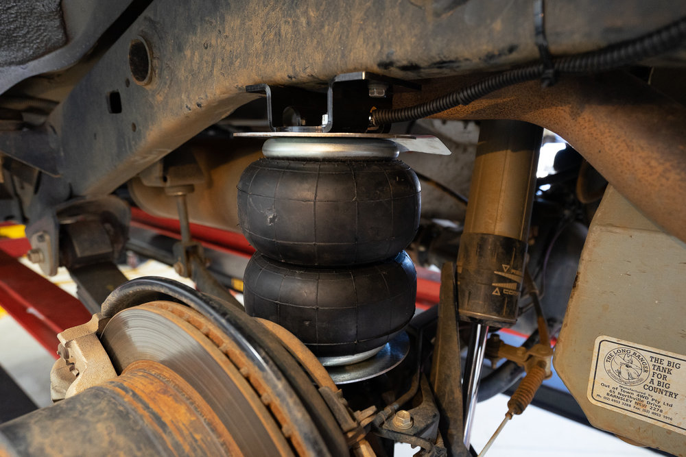 Airbag Man Rear Air Suspension Toyota LandCruiser 70 76 78 79 Series