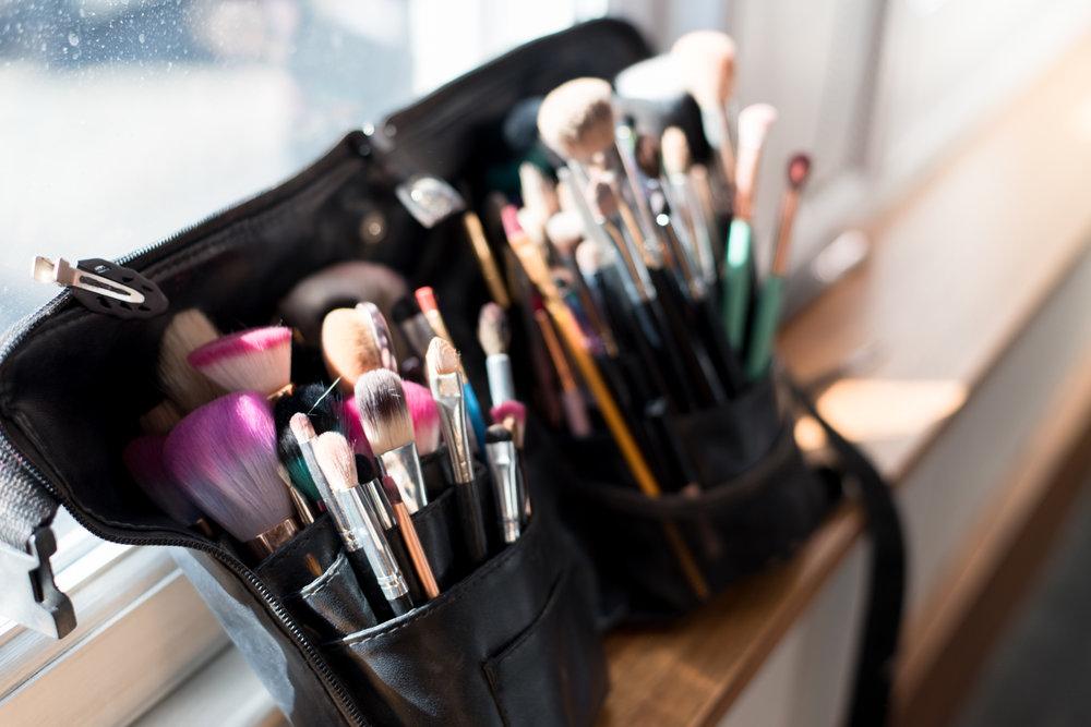 orocco pier wedding - make up brushes