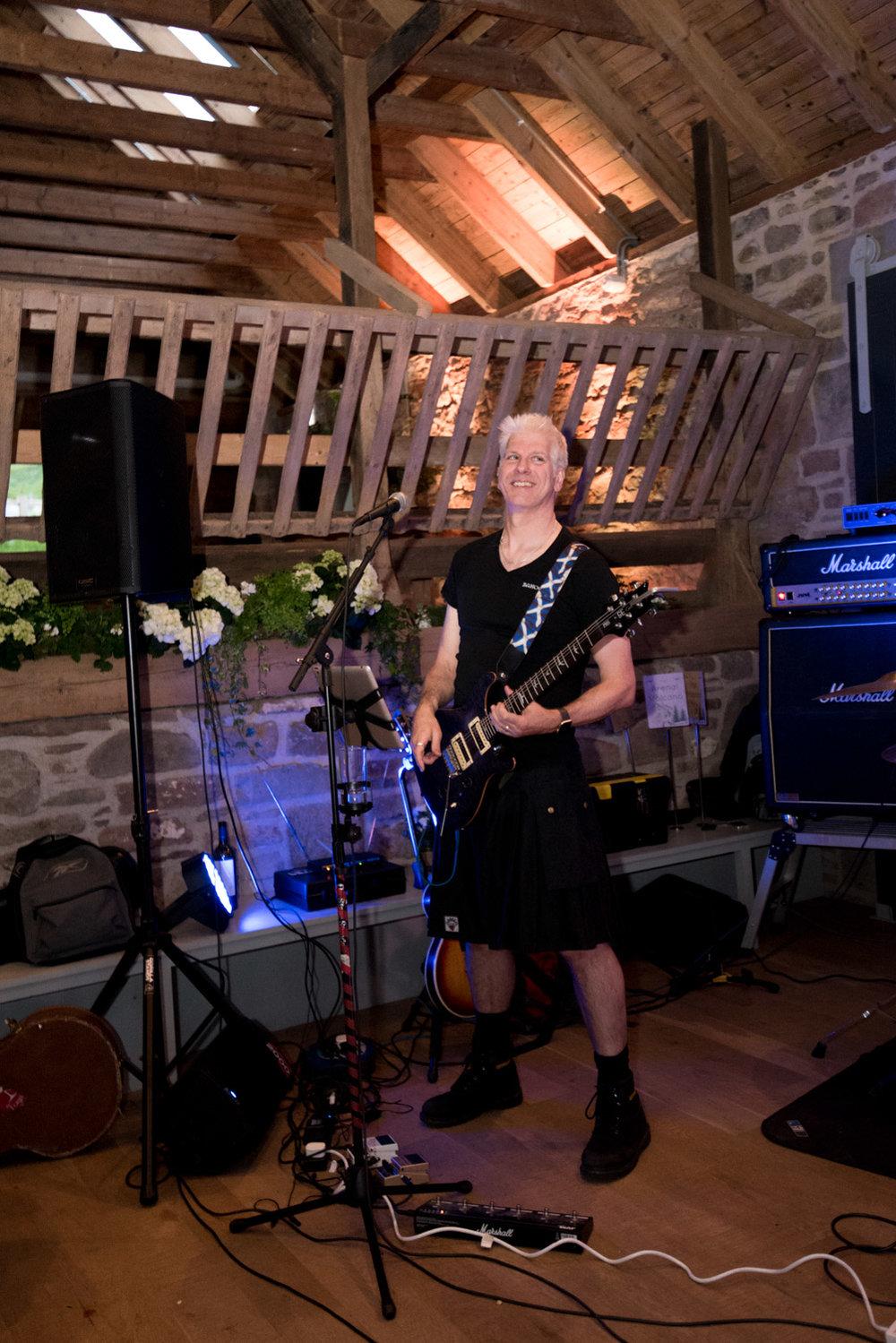 Guardswell Farm - Wedding band Bahookie 03