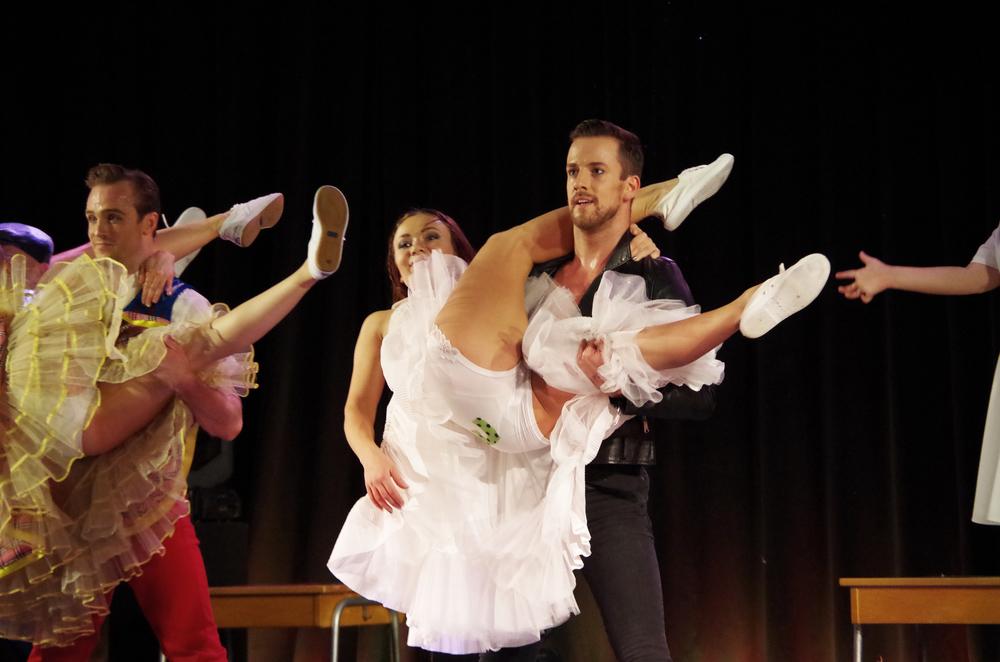 En dans på rosor 09.jpg