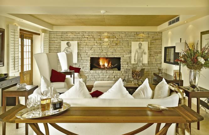 26. Heritage Suite - Khoi Khoi Lounge 1.jpg