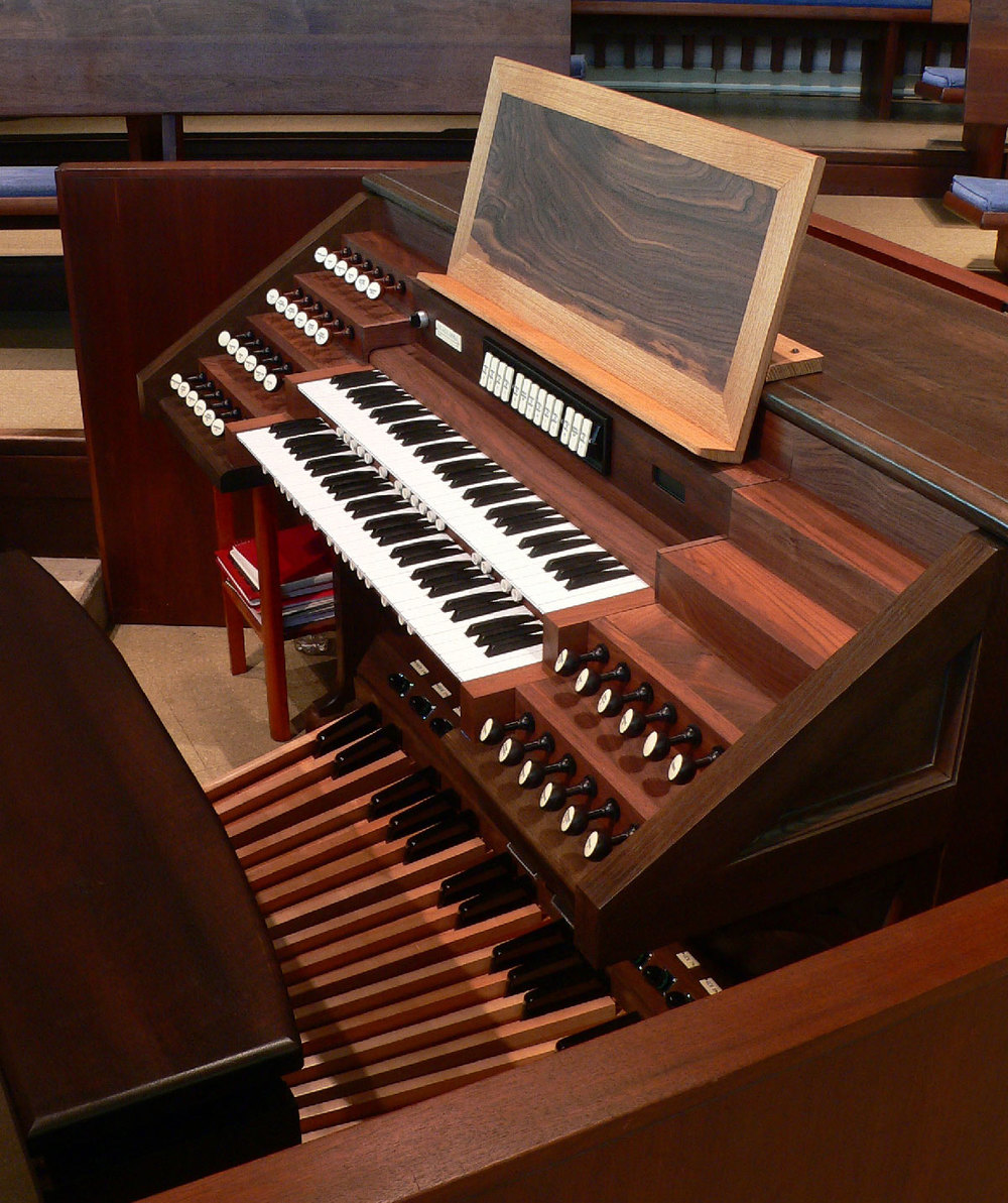 Console: Odell opus 645