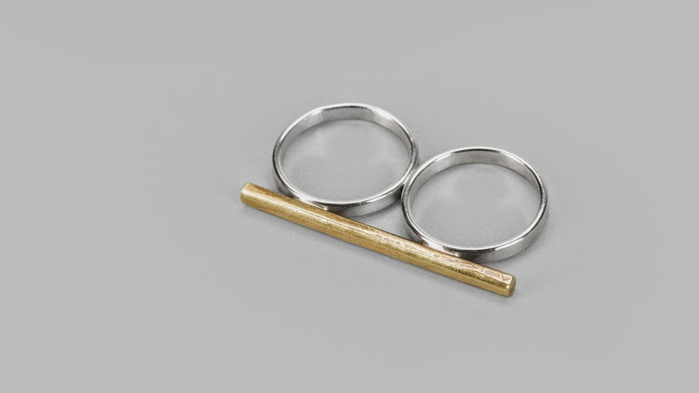 101707-knucklekiss-brass-hammered-double-ring-3.jpg