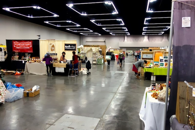 Mid set up....See that Urban Cheese craft booth?I have a cheese-making sample from them that I need to try.