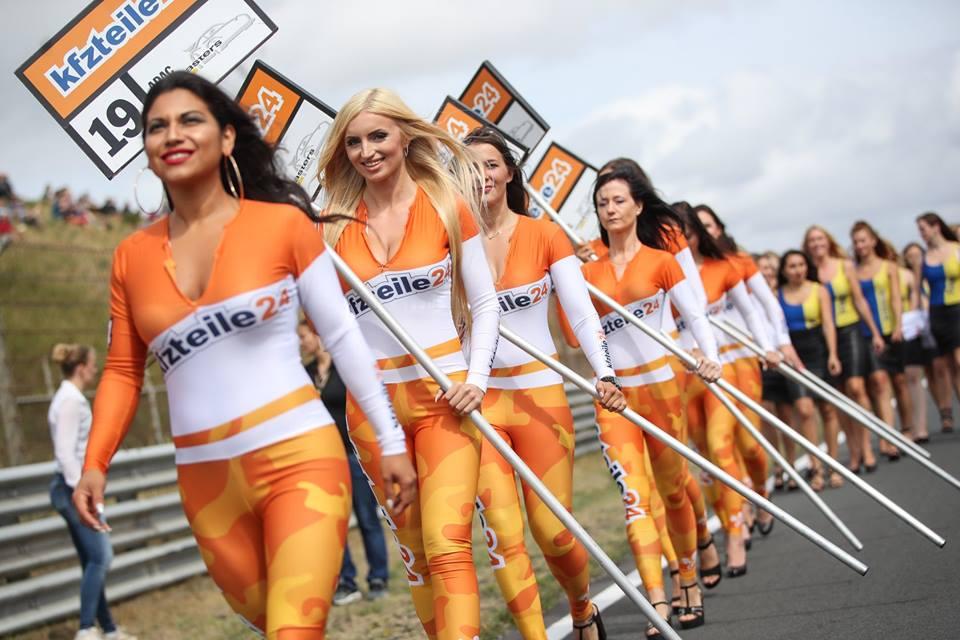 Grid girls Kfzeitle.jpg