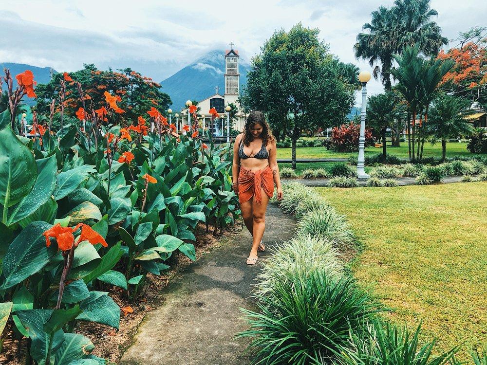 ambarjanuel_costarica_digitalnomad_travelblogger_ambar_puravida_lafortuna_arenal_volcano.jpg