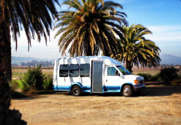 Platypus-tours-bus1_8f943e6d-5056-a36a-076ee68311e06bb5.jpg