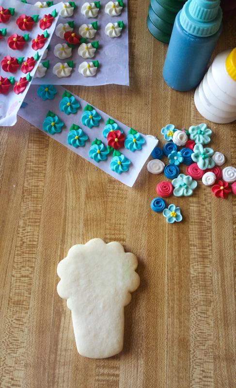 Making Memorial Day Bouquet Cookies 1