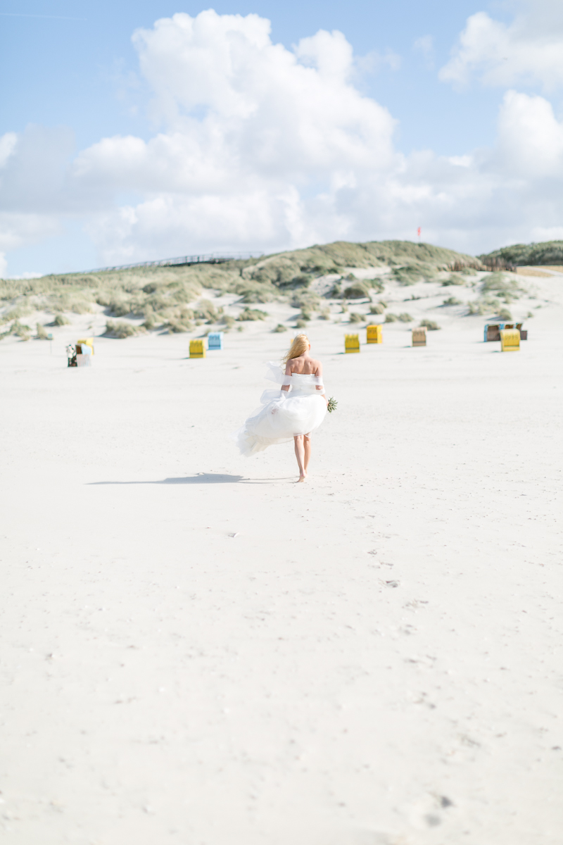 juist-beachwedding-strand-bride.jpg