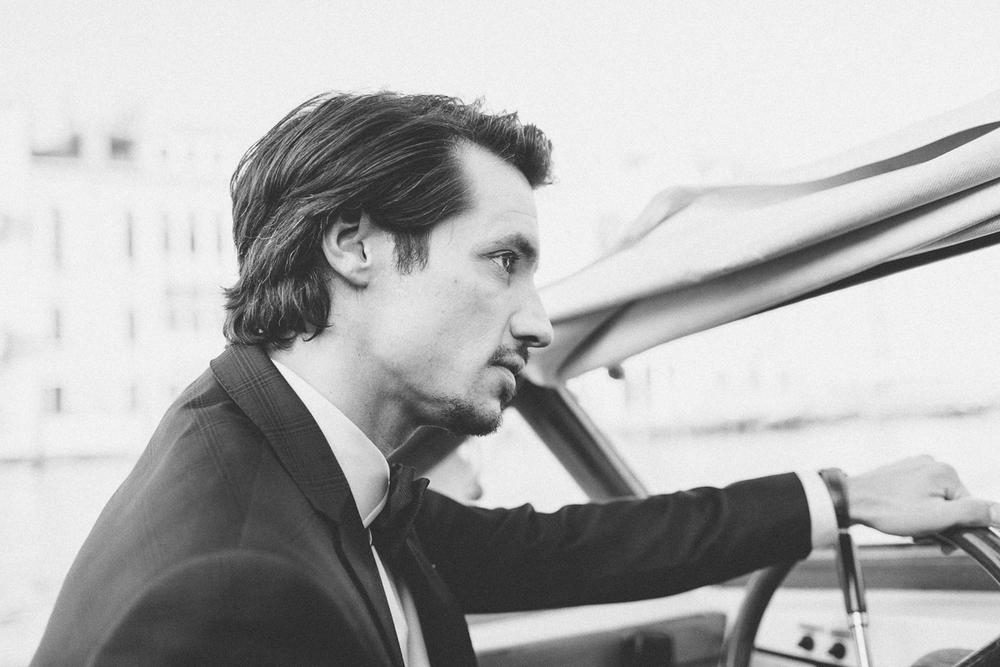venice-styledshoot-wysocki-canalegrande-taxi-groom