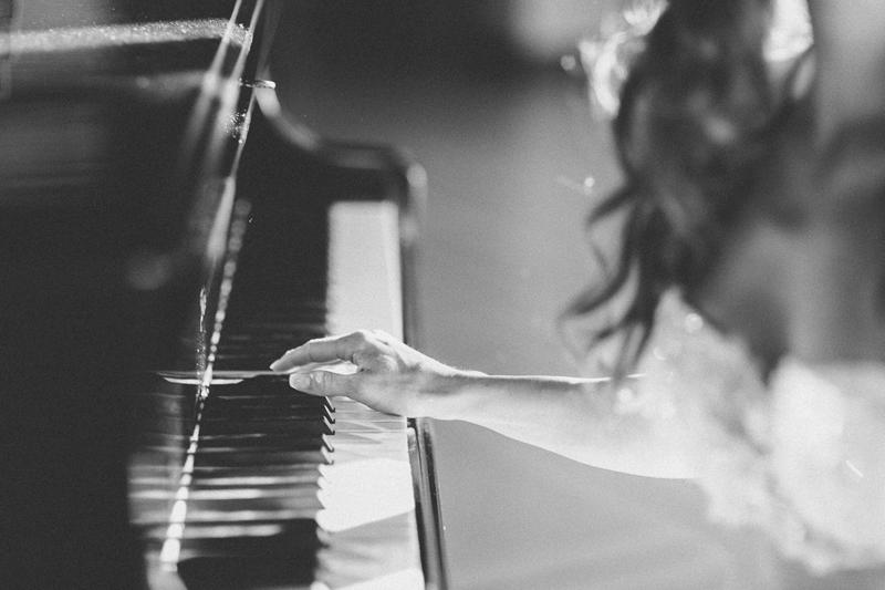 piano-getting-boudoir-ready-venice.jpg