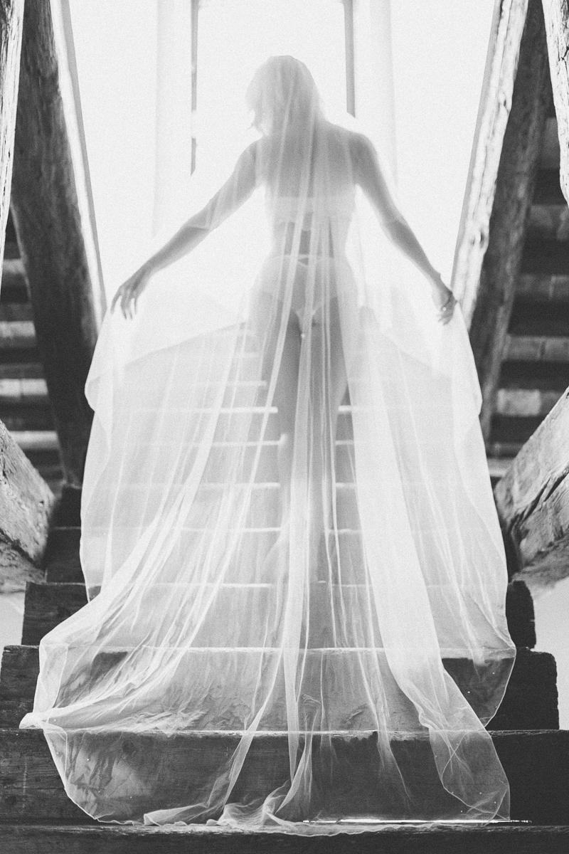 susanne-wysocki-fotograf-hochzeit-braut-schleier-boudoir-venice.jpg