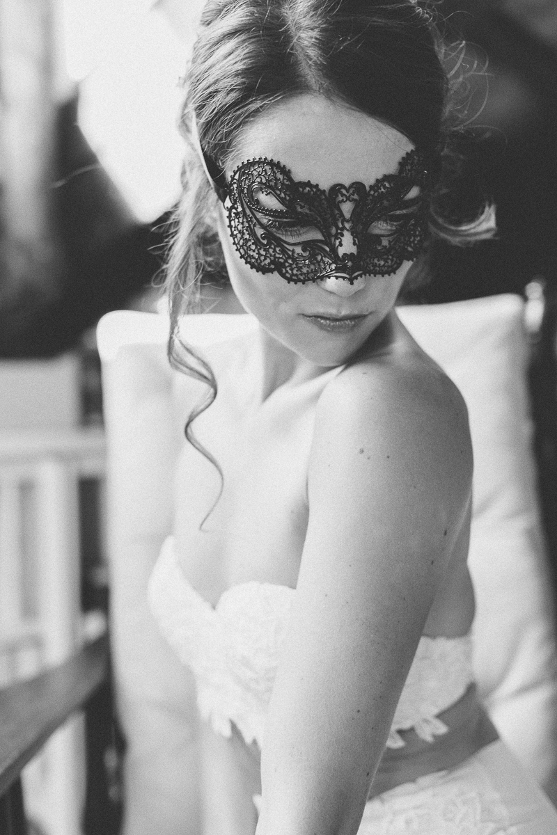 venice-mask-boudoir-wysocki.jpg