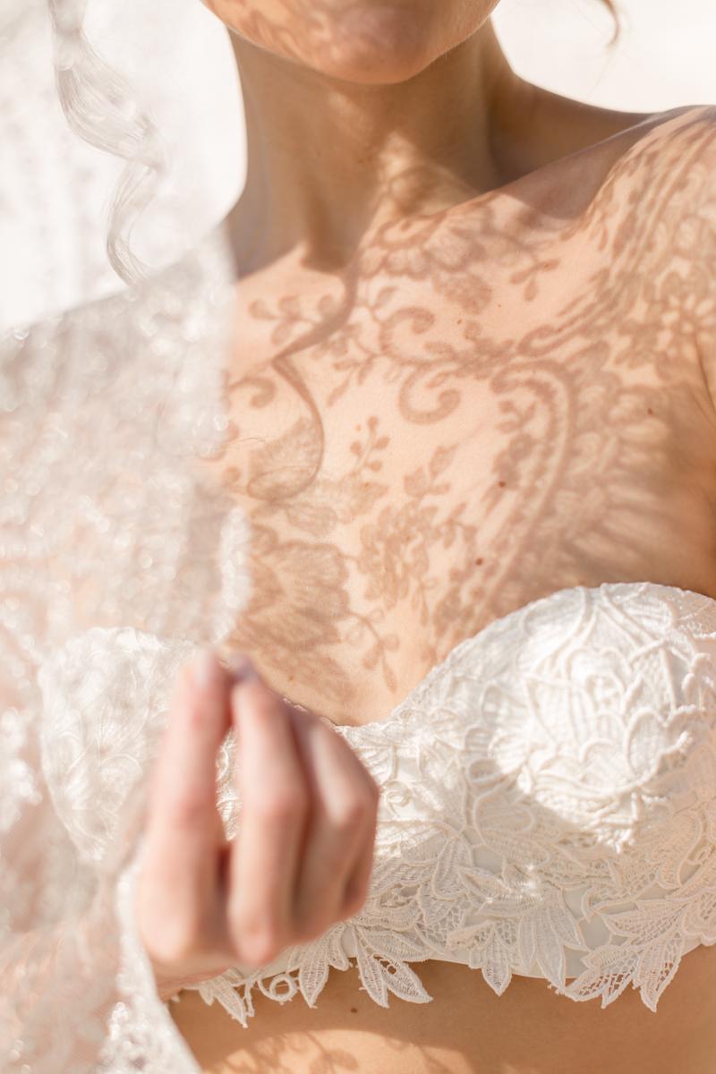 bride-boudoir-venice-veil-lace-wysocki.jpg