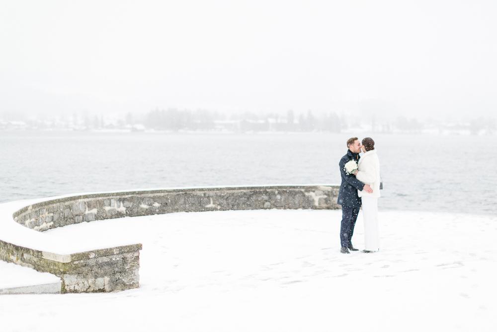 tegernsee-hochzeitsfotograf-muenchen-standesamt-susanne_wysocki-schnee.jpg