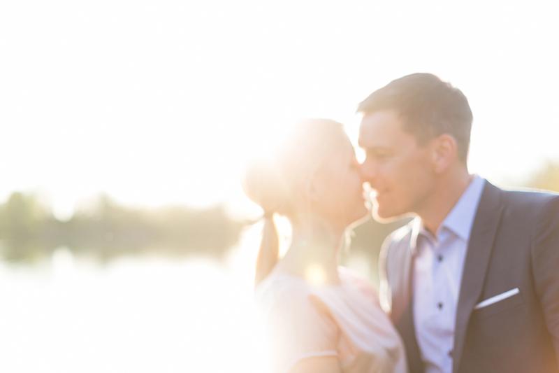 verlobung-kuss-engagement-see-muenchen-susanne_wysocki.jpg