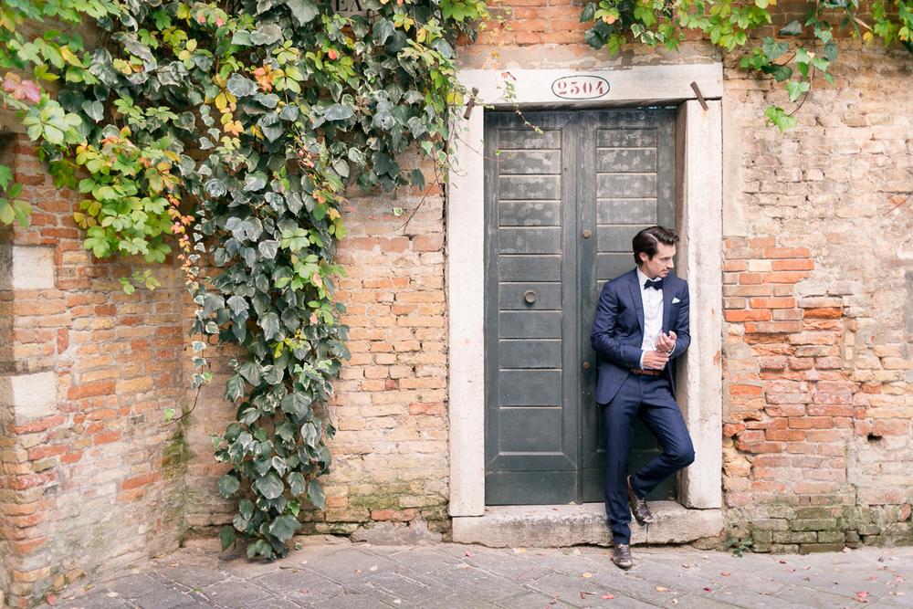 venice-venedig-wedding-italy-location-groom.jpg