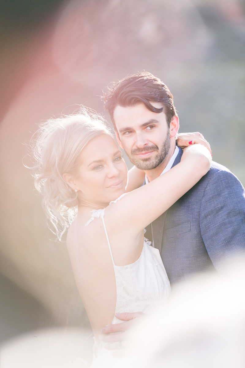 lasvegas-nevada-desert-shoot-bride-groom-susanne_wysocki-weddingphotographer-germany-wppi-redrock-blurry.jpg
