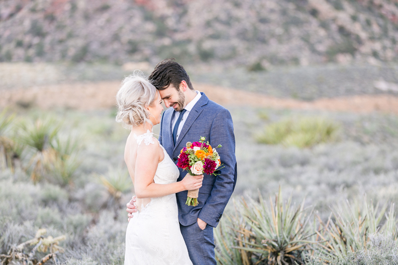 lasvegas-nevada-desert-shoot-bride-groom-susanne_wysocki-weddingphotographer-germany-wppi-redrock-love.jpg