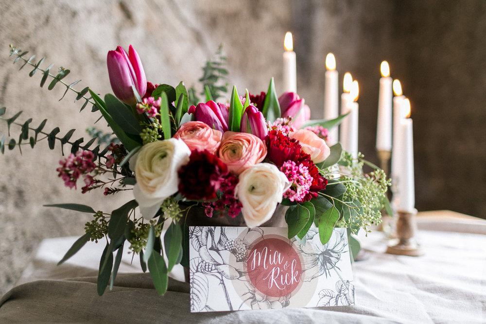 Deko-Hochzeit-Maccaron-Blumen-Hochzeitsfotograf-Trier-Luxemburg-Muenchen-Inspiration-Papeterie-Kerzen.jpg