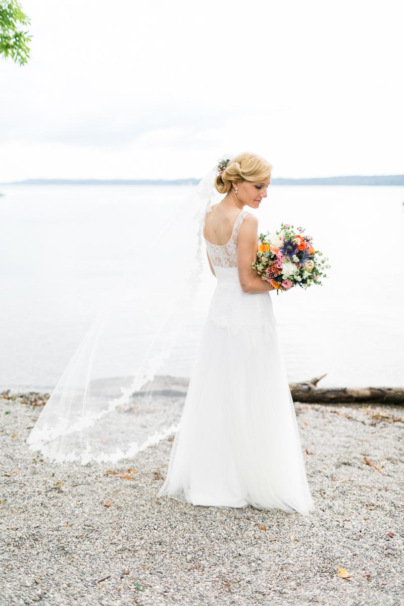 starnberg-starnberger_see-muenchen-hochzeitsfotograf-braut-brautkleid-blumen-brautstrauss-paarshooting-shooting-trier-luxemburg-marriage-wedding.jpg
