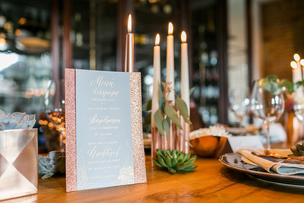 deko-tischdeko-papeterie-kaligrafie-kupfer-sukkulenten-muenchen-hochzeitsfotograf-shooting-trier-luxemburg-marriage-wedding-inspiration-spinnerei-kolbermoor.jpg
