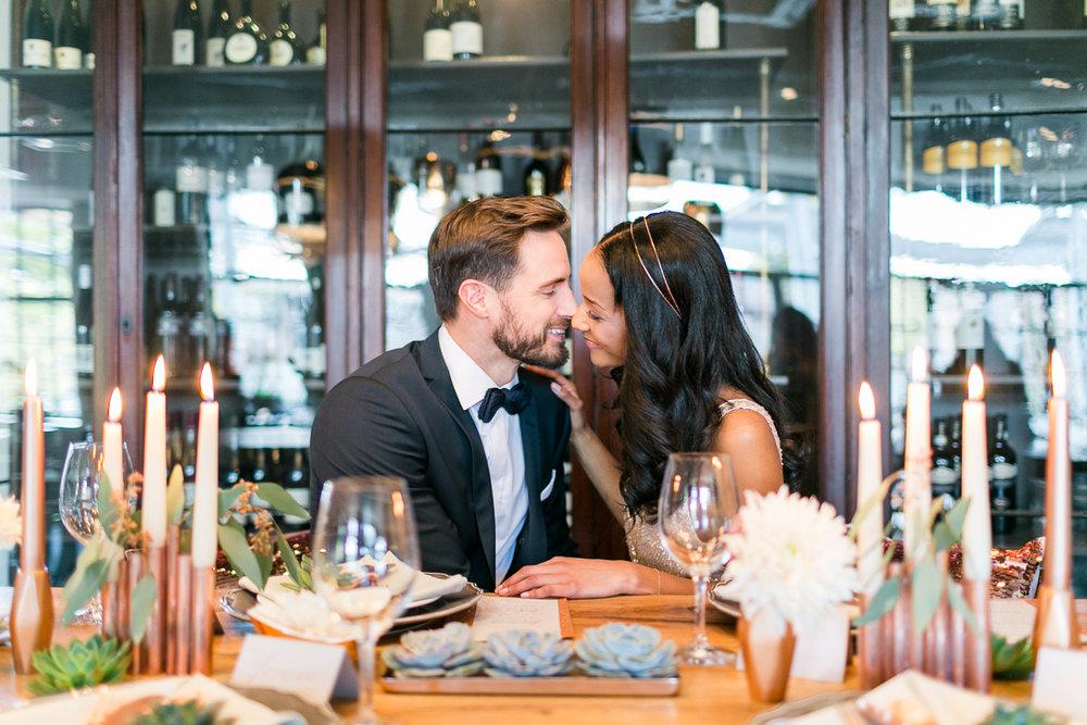 brautpaar-paarshooting-shooting-tischdeko-kupfer-sukkulenten-deko-braut-brautkleid-muenchen-hochzeitsfotograf-shooting-trier-luxemburg-marriage-wedding-inspiration-spinnerei-kolbermoor.jpg