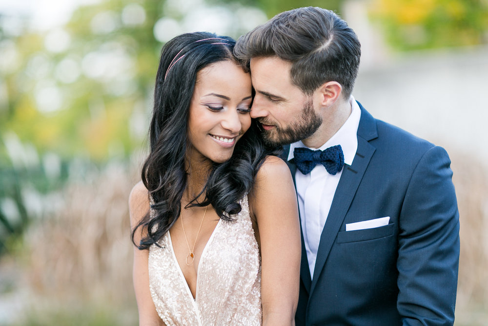 brautpaar-paarshooting-shooting-posing-braut-brautkleid-muenchen-hochzeitsfotograf-shooting-trier-luxemburg-marriage-wedding-inspiration-spinnerei-kolbermoor.jpg