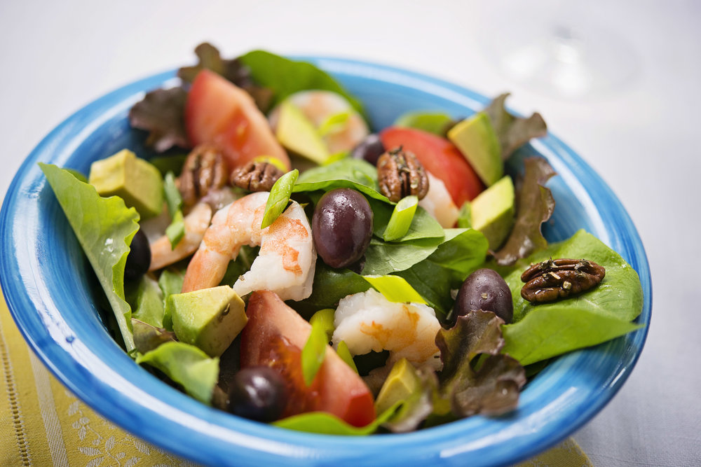 Greek shrimp salad      with lemon dressing