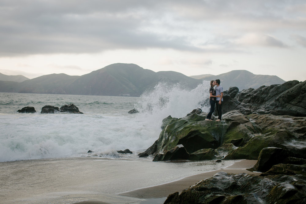 san-fran-beach-couple-photographer
