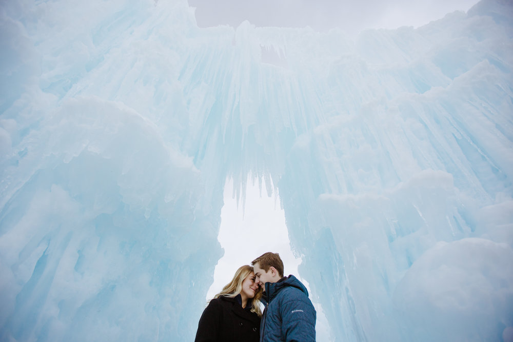 ice_castle-couple-photographer