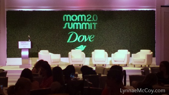Mom-2.0-Summit-Stage.jpg
