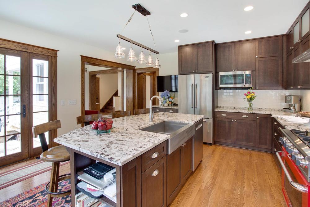 506 Russell Rd Alexandria VA-large-020-Kitchen-1500x1000-72dpi.jpg
