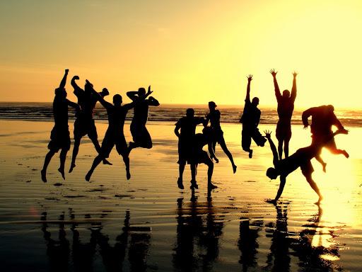 beach jumping.jpg