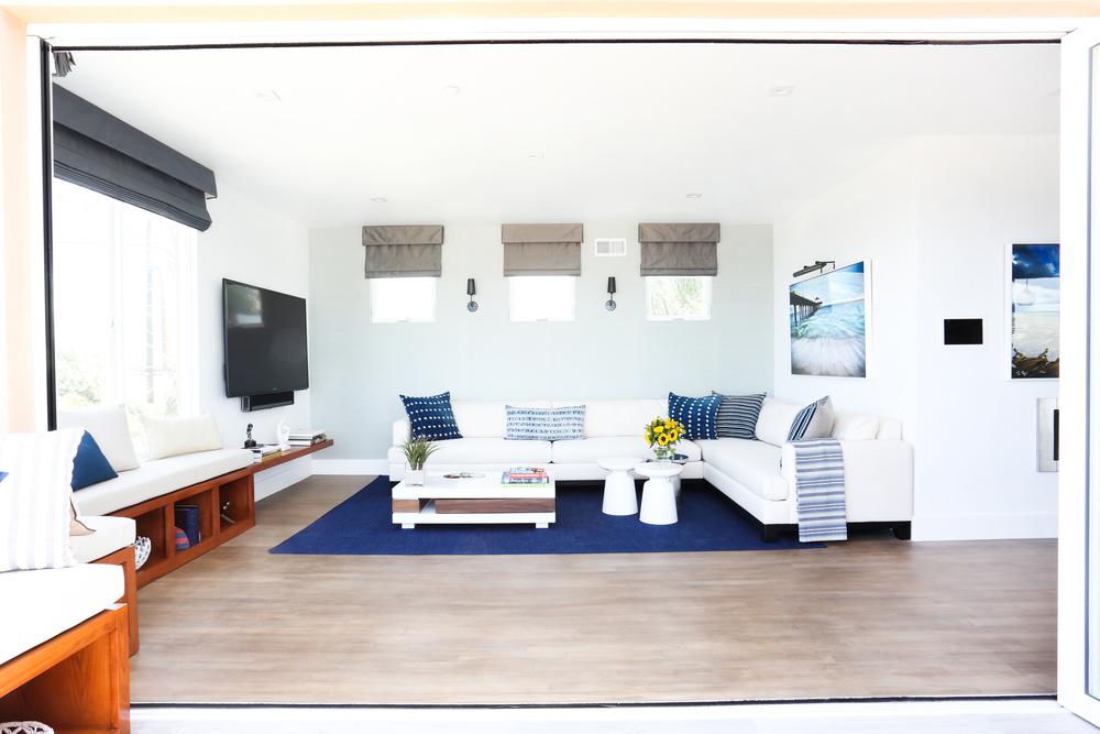 1 Living Room 3.jpg