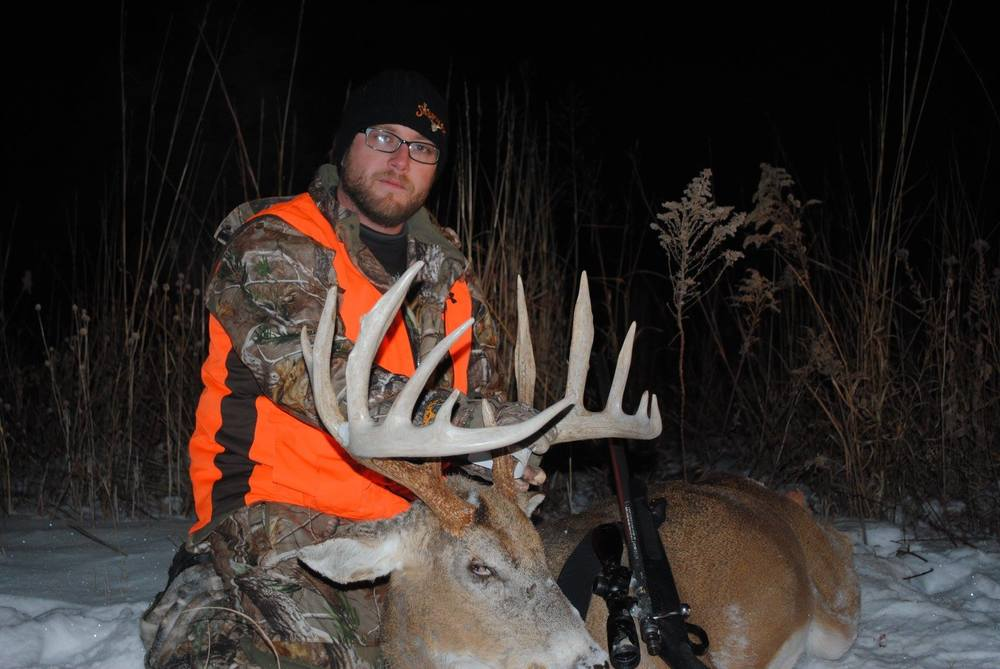 Jeremy Roland has been with Final Descent Outdoors one year and is based in south central Iowa.  Jeremy is in the land of giants and has the deer on the wall to prove it.  Jeremy and his family farm several thousand acres in southern Iowa where he also hunts.  Jeremy actually stumbled onto a Final Descent Outdoors episode in 2013 and sent an email in regards to the show.  Jeremy helps lead a house church and wanted to use his passion for hunting for the Kingdom of God.  The rest is history.