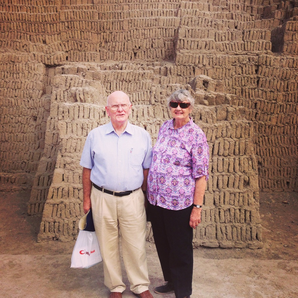 The parents, the 1300 year old ruins of Huaca Pullcana