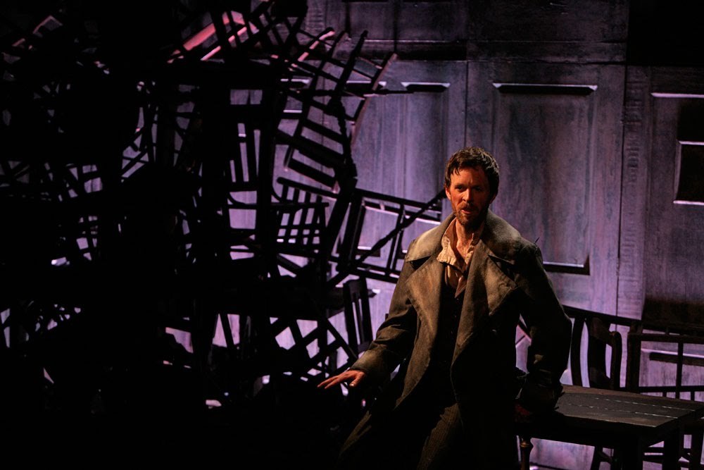 Web-Raskolnikov-with-chairs.jpg