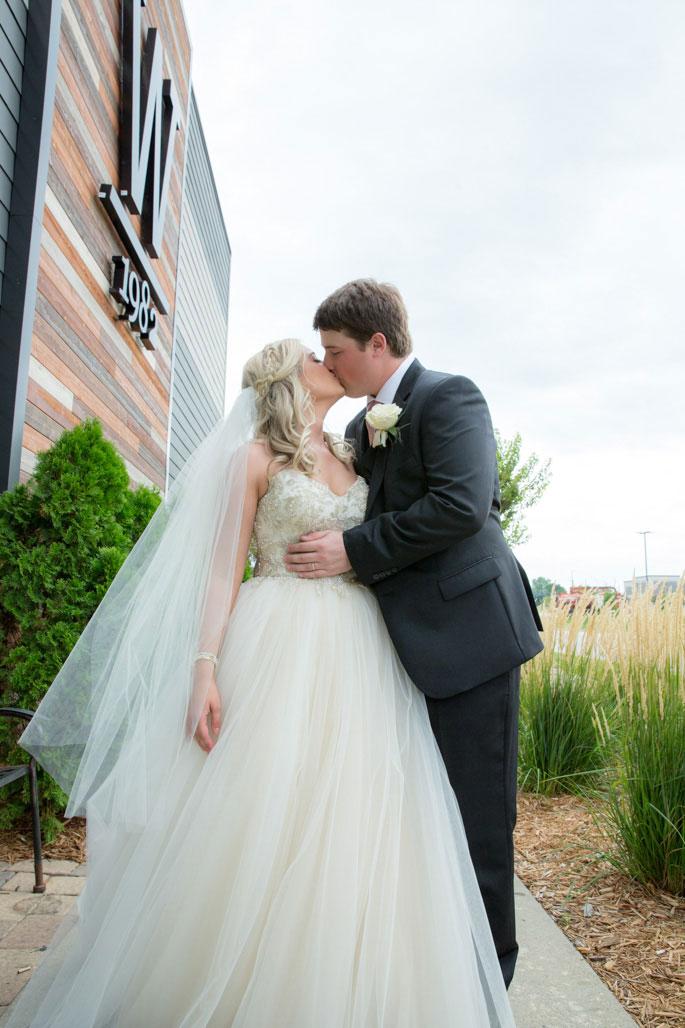 Wedding-Photography-Iowa-400.jpg