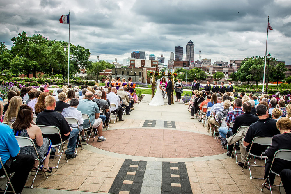 Red_Door_Photo_Des_Moines_Wedding_Photographers-152.jpg